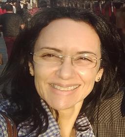 Dra. Valéria De Queiroz Pagnin